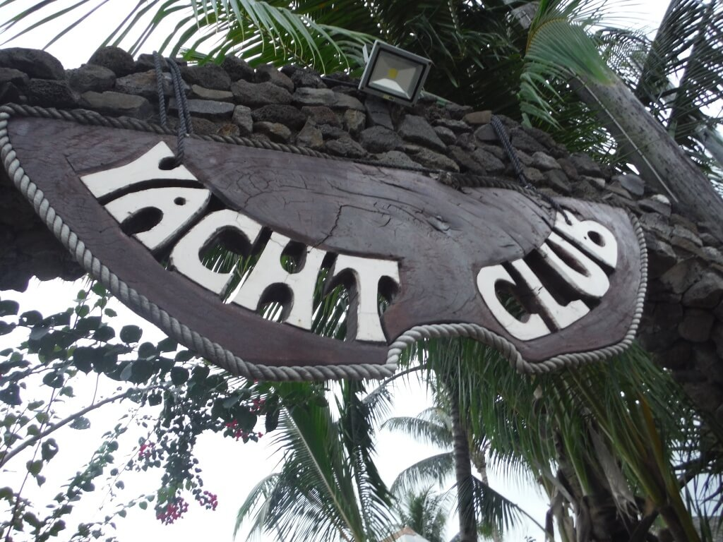 five best places to eat on a budget bora bora the yacht club